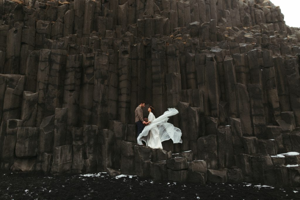 Iceland_Elopement_Through_the_wildflowers